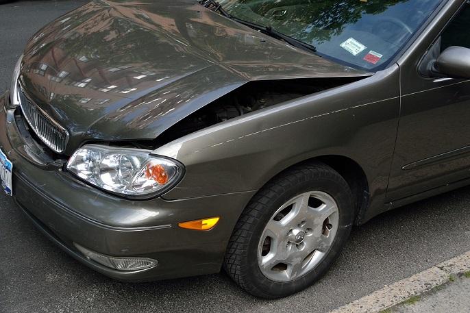 samochód uszkodzony usa