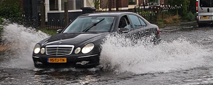 auto powódź